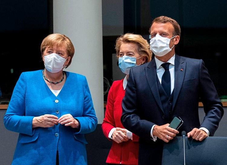 Лидерите на ЕУ: Клучниот проблем е производството и забраната за извоз на вакцини, а не интелектуалната сопственост