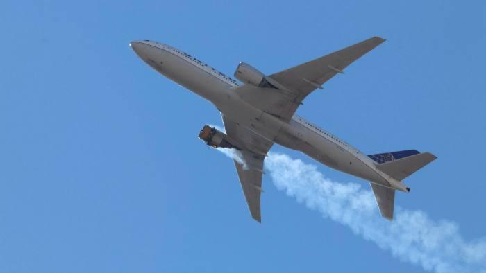"""Боинг ги приземјува сите  """"777"""" поради грешка кај авионот чиј мотор се запали"""