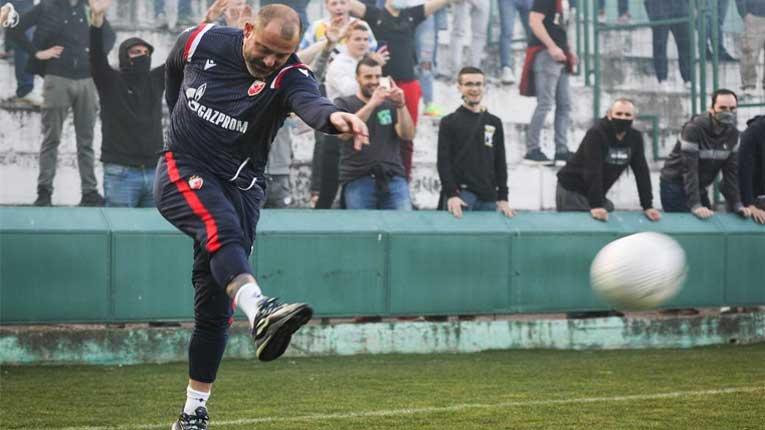 Лудило во Белград: Црвена звезда денеска го изведе корнерот кој не им беше дозволен синоќа против Милан