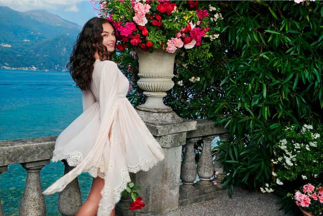 """Блесна на насловната на """"Ел"""": Ќерката на Моника Белучи го освојува светот на модата"""