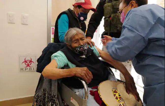 Сиромашните во Мексико ставени на приоритетна листа за вакцинирање