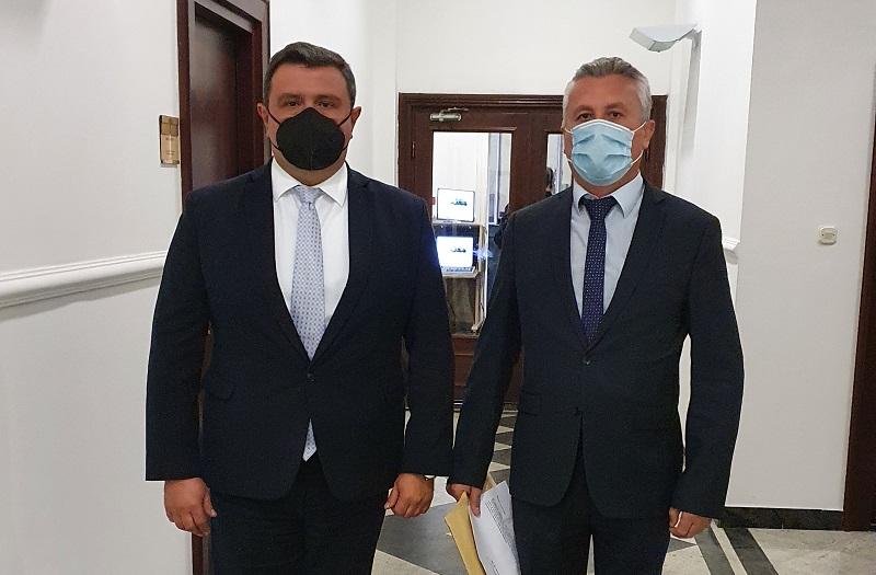 ВМРО-ДПМНЕ до Собранието ги достави потписите и записниците од Иницијативата за поништување на Законот за попис