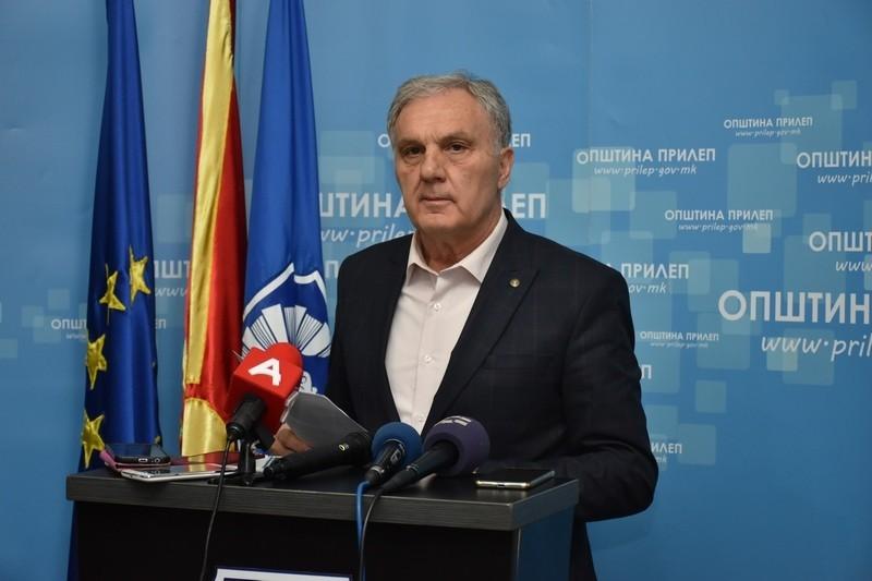 И градоначалникот на Прилеп заразен со коронавирус