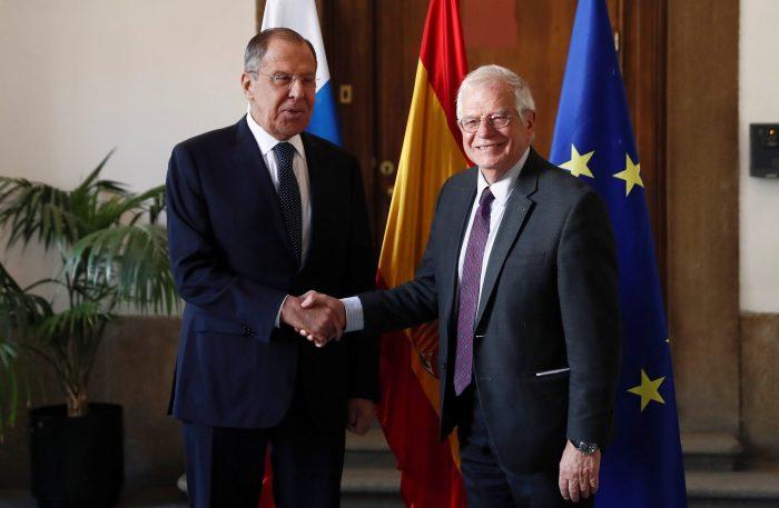 Лавров-Борел: ЕУ да не се меша во внатрешните прашања на Западен Балкан