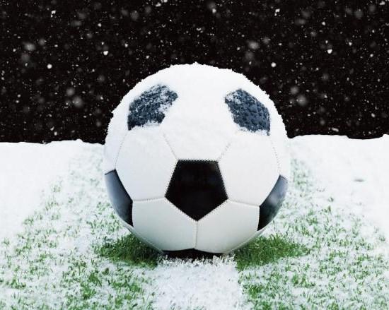 Во Холандија нема да се игра фудбал, се чека снежна бура