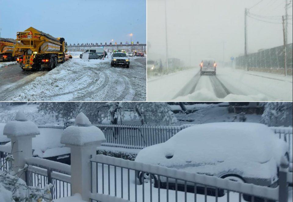 Невреме ја парализира Грција, снег падна и на островите
