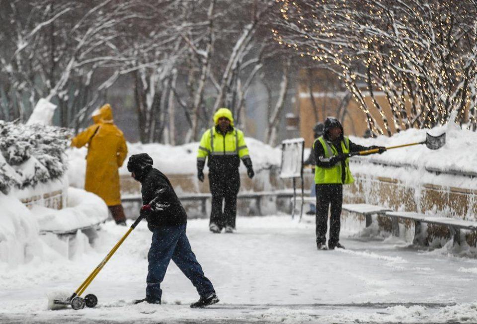 Студен бран остави најмалку осум милиони луѓе без струја во Тексас и Мексико