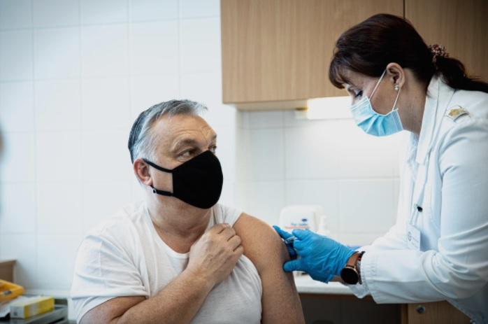 Унгарскиот премиер Виктор Орбан се вакцинираше со кинеската вакцина против коронавирус