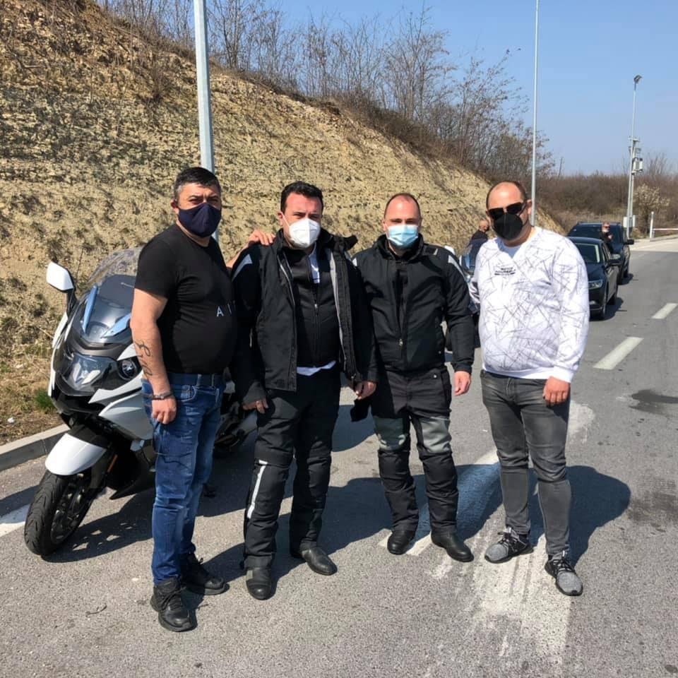 Државата колабира пред пандемијата, Заев и Филипче возат мотори