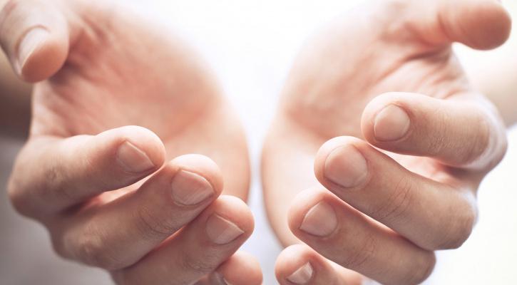 Од тоа дали дланките ви се топли или ладни зависи вашата дарежливост