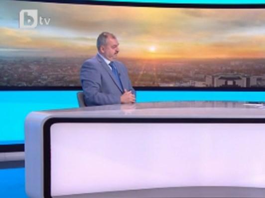 Авторот на интервуто со Заев го чепна и Димитров: Тој си има проблем дома бидејќи татко му тврди најголем грев во Македонија е да си Бугарин