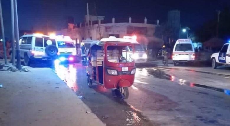 Засега никој не ја презеде одогороноста за експлозијата на автомобил-бомба во Могадишу