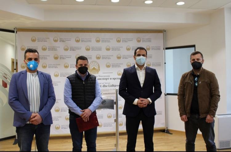 Откако градоналачникот не ги прими, од Иницијатива против урбаното дивеење во Ѓорче Петров се сретнаа со министерот Бочварски