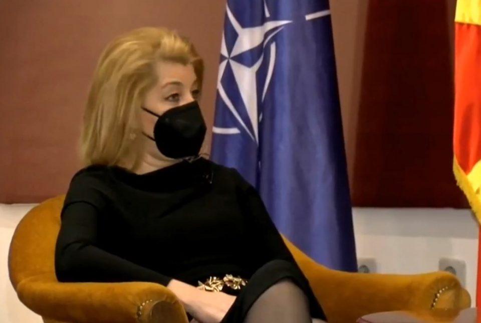 Ласовска: Вакцини со Заев и Филипче нема, бидејќи за нив профитот е пред здравјето на граѓаните