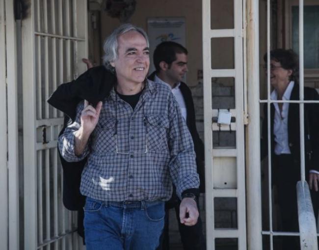 По 57 дена штрајк со глад и 12 дена без течности: Осудениот грчки лидер е во критична состојба