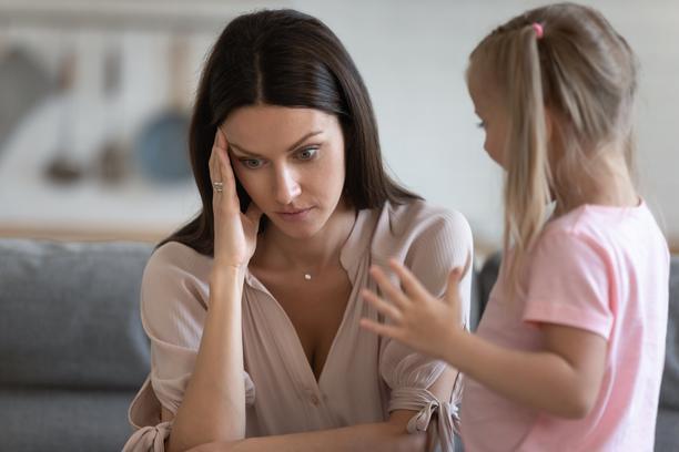 Не можам да ја поднесам мојата постара ќерка, ја избегнувам по секоја цена