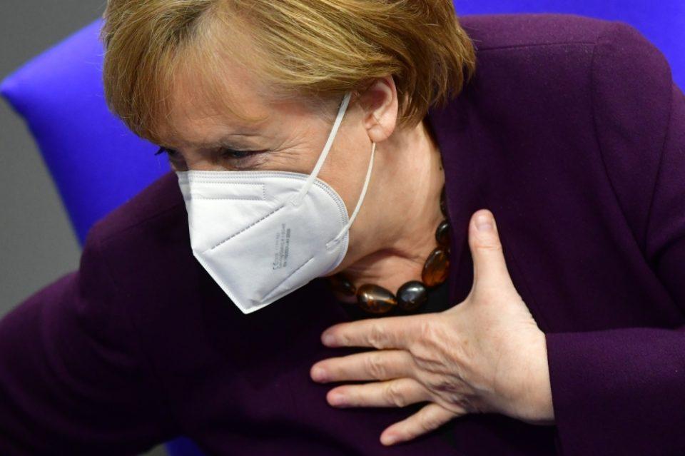 """ЕУ треба да има доверба во """"АстраЗенека"""": Меркел денеска ќе ја прими вакцината на Оксфорд"""