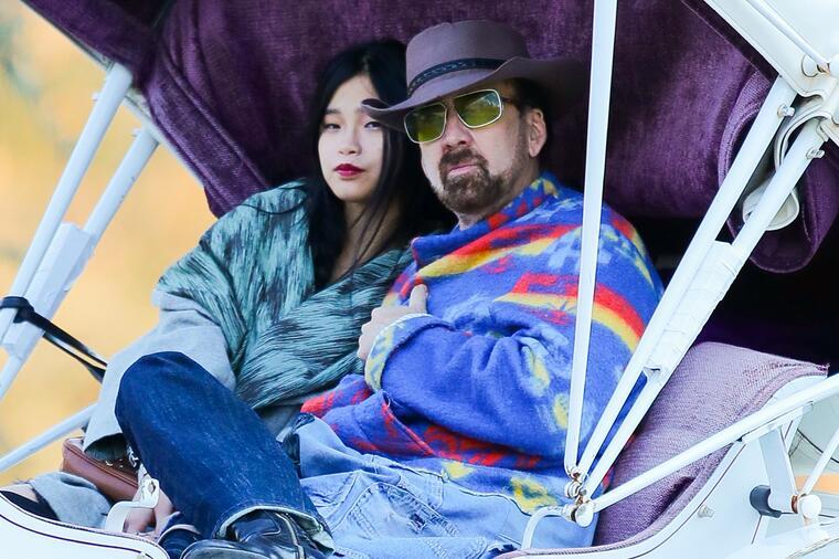 Актерот се ожени по петти пат, овојпат со Јапонка помлада од неговиот син