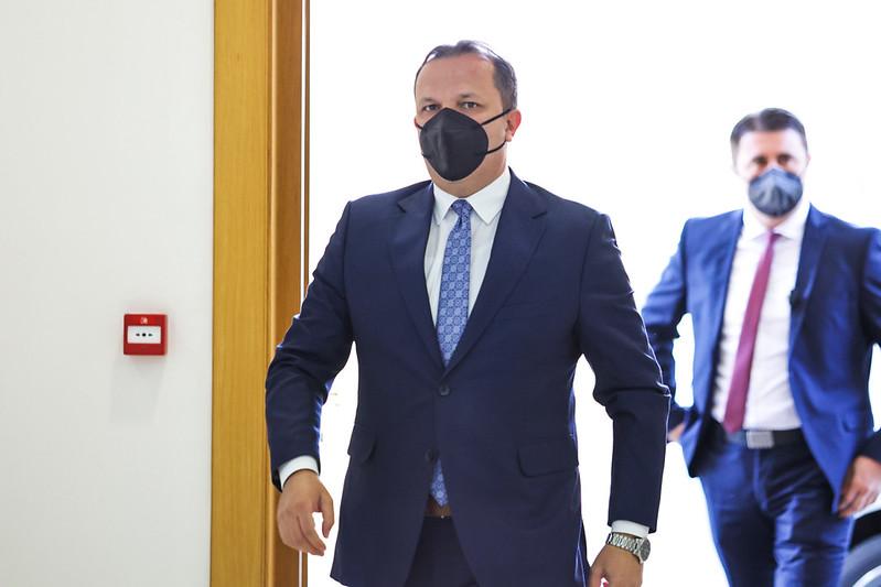 """""""Код"""" го разоткри Спасовски: Лаже дека пасоши со лажен македонски идентитет се издавале пред него"""