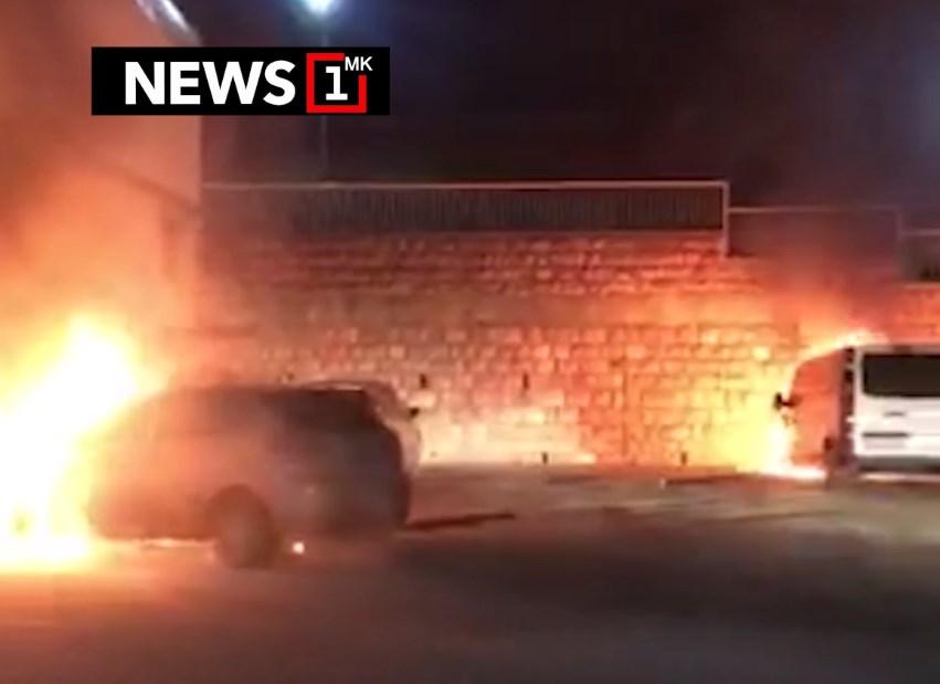 Ноќва гореа две возила пред познат охридски хотел
