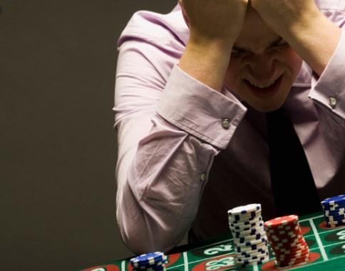 Потегот на Заев лош блеф на лош покераш