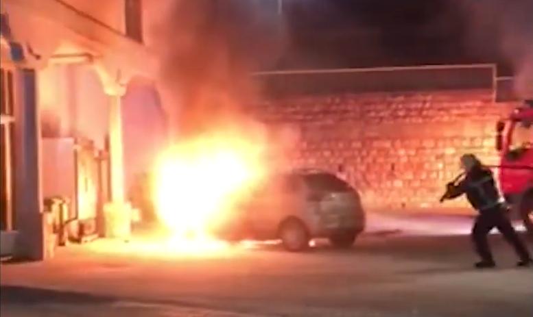 Запалени две паркирани возила во Охрид