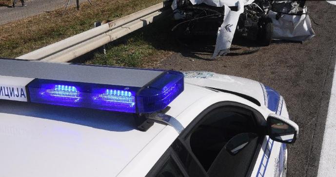 Двајца тешко повредени во сообраќајка кај Зајас