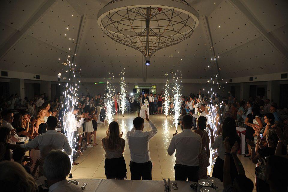 Хрватите денеска прават пробна свадба, ако не се шири ковид-19, ќе дозволат веселби