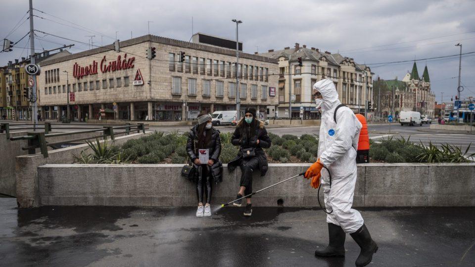 Унгарија очекува меѓу 15,000 и 20,000 заболени неделно