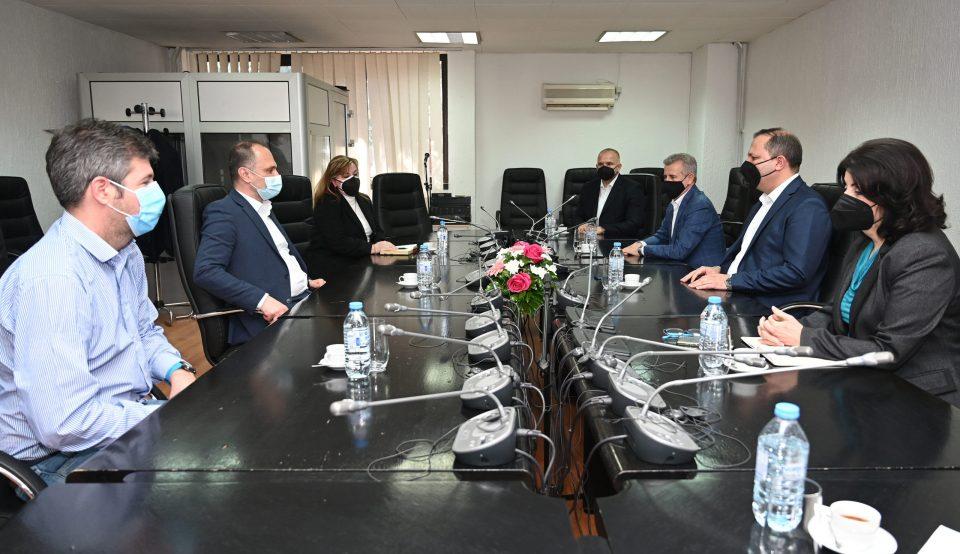 Спасовски – Филипче: Приоритетно вакцинирање на полициските службеници