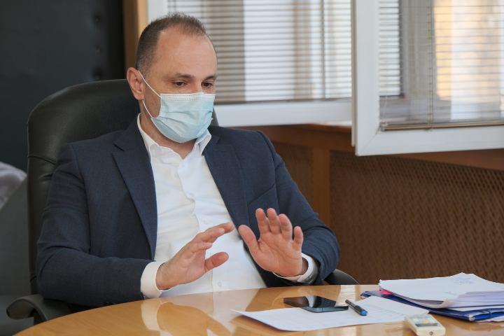 Филипче: Пациентите по своја волја се лекуваат во приватните болници