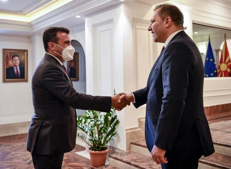 Наместо Брисел, Спасовски и Заев го донесоа Бејрут во Скопје