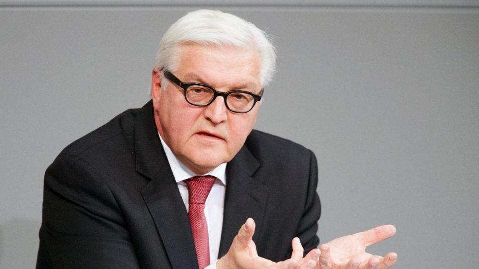 """Германскиот претседател Штајнмаер се вакцинираше со """"Астра Зенека"""""""