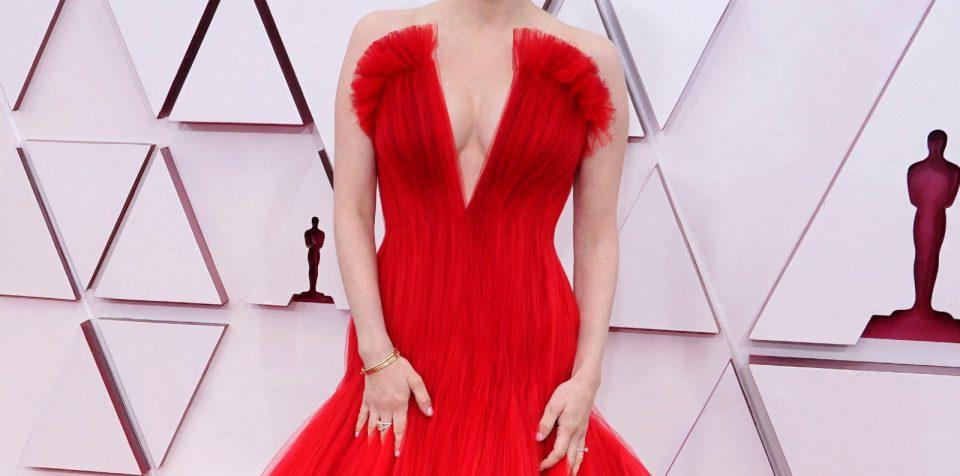 Десетте најубави фустани од 93. доделување на Оскар