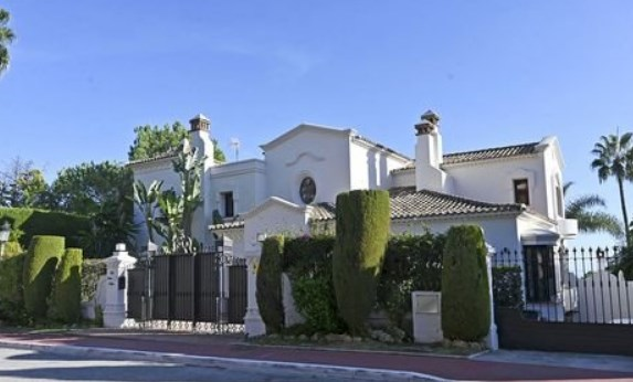 Рај во Шпанија: Погледнете ја куќата на Ноле во Марбеља