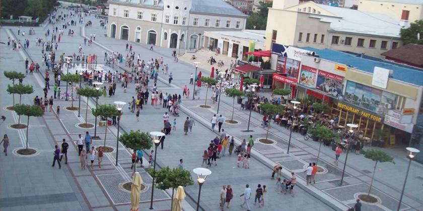 Со нови 9 починати, Косово размислува за затворање на трговски центри, училишта, кафани, вежбални…