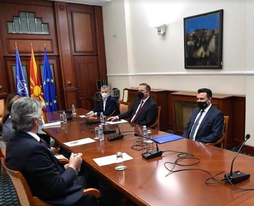 Средбата на Заев со Села и Гаши успешна-договор нема