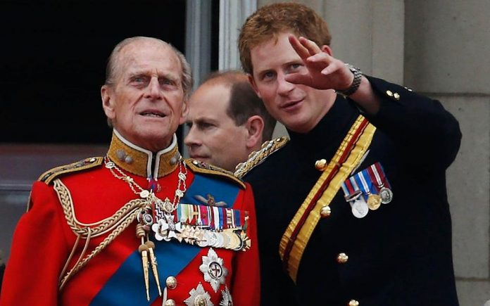Принцот Хари без Меган ќе присуствува на погребот на дедо му