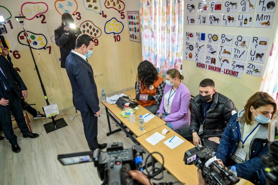 Дипломатска бура: Фон Крамон и Гренел реагираат за гласањето на Курти во Албанија