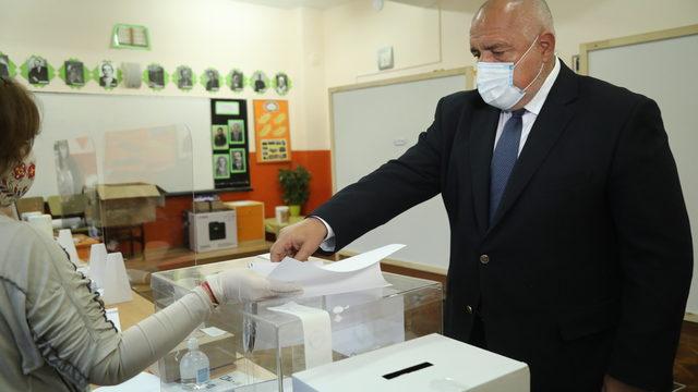 Партијата на Борисов победи на изборите во Бугарија, и Слави Трифонов со значителни резултати