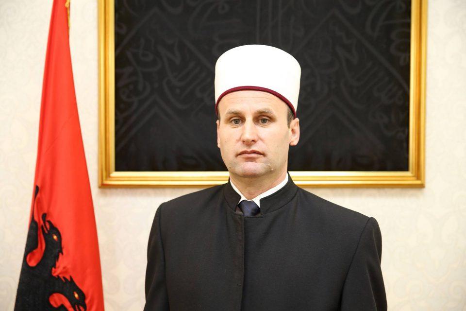 Муслиманската заедница бара брзо расветлување на нападот со нож во џамијата во Тирана