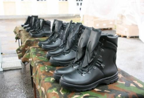 """Тендерот на МВР за полициски чизми трипати паѓа и повторно го добива фирмата """"Мега спорт'"""
