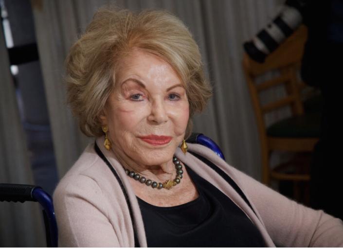 Пред една недела прослави роденден: Почина сопругата на Кирк Даглас
