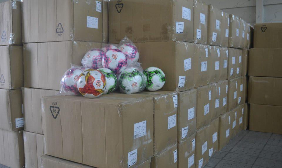 ФФМ со најголема набавка и донација на фудбалски топки наменета за клубовите