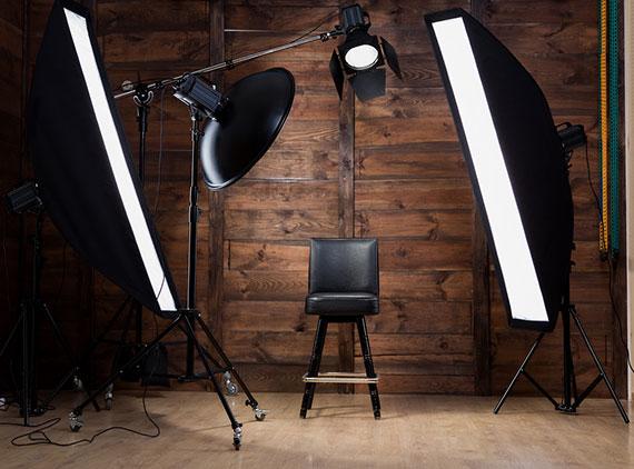 """Фотостудио од Штип понудило бесплатно сликање на полуматуранти, на тендерот победила фирма која понудила """"пониска цена"""""""