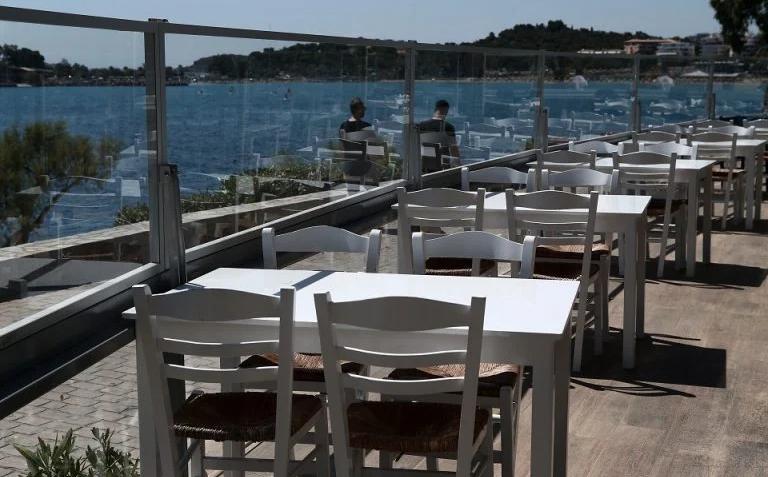 Се затвораат продавниците, угостителските објекти, салоните, театрите: Кипар воведе двонеделен строг карантин