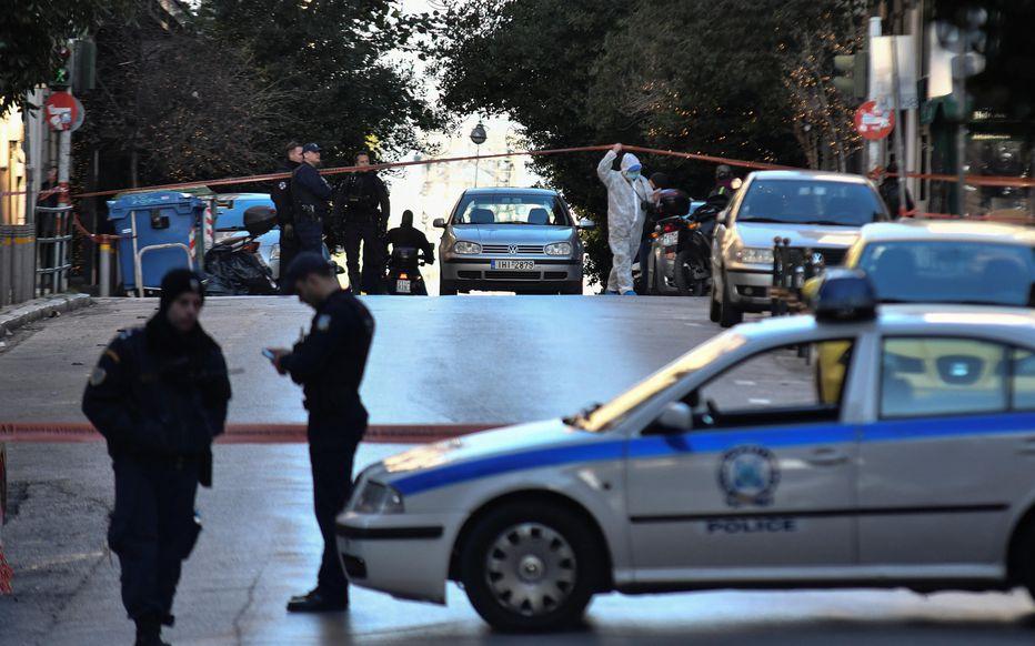 Познат грчки новинар изрешетан пред својот дом: Брутално убиство ја шокира Грција