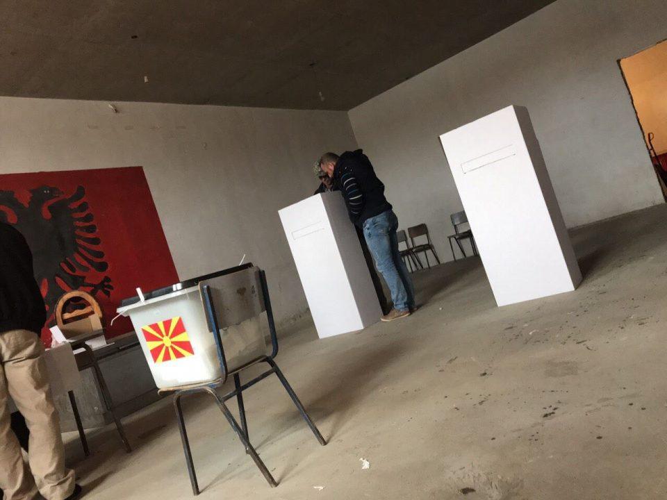 Биометриската идентификација спречува семејно гласање, смета Јакупи