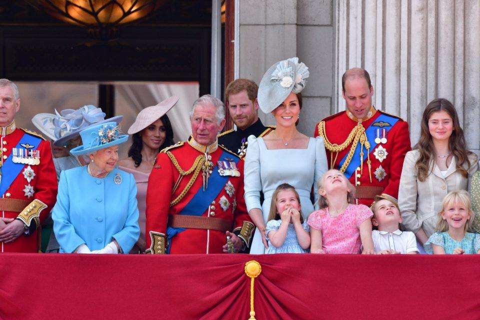 Кралицата нареди кршење на традицијата за погребот на принцот Филип за никој да не ги посрами нејзиниот син и внук