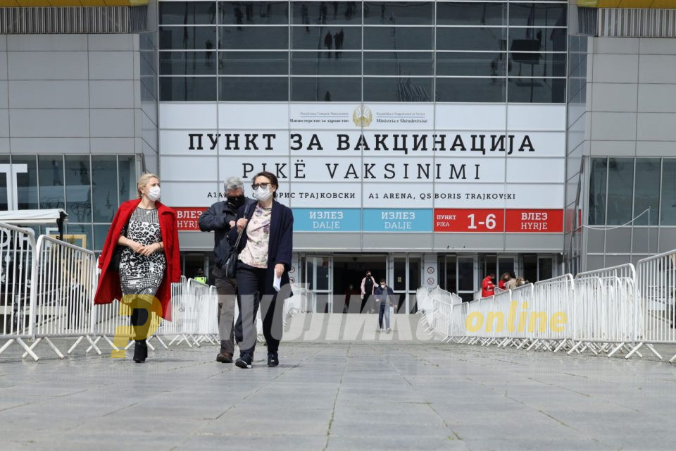 """Кинеските вакцини слетуваат во Скопје во недела со два авиони, од понеделник забрзано вакцинирaње со """"Фајзер"""" и со """"Синовак"""""""